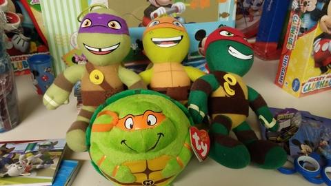 Vari pupazzi delle tartarughe ninja