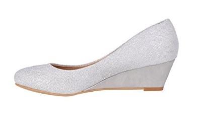 Scarpe classiche bianche con piccolo tacco per ballare