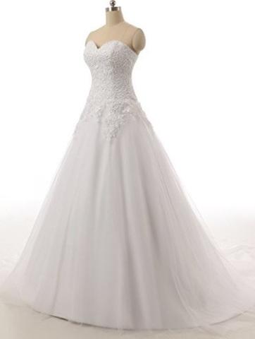 Vestito matrimoniale con maniche lunghe