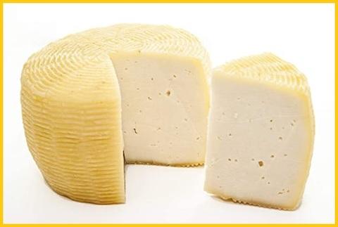 Caprino formaggio con latte