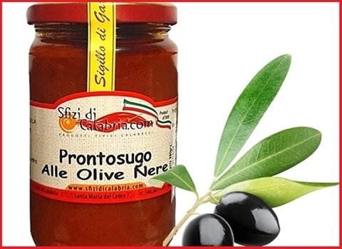 Sugo con olive calabrese
