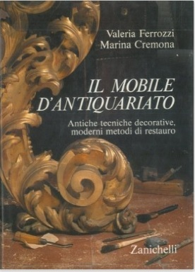 Mobile D'antiquariato Con I Vari Metodi Di Restauro