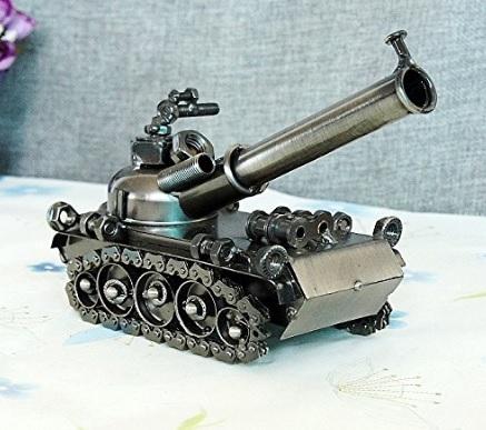 Carro armato in ferro d'antiquariato decorazione