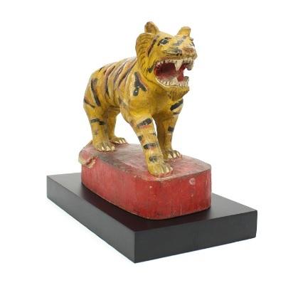 Tigre birmano in legno oggetto d'antiquariato