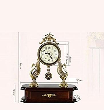Orologio pezzo d'antiquariato per il soggiorno