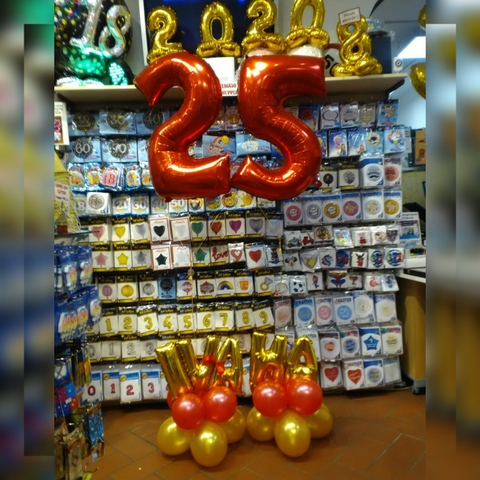 Decorazione di palloncini per 25 anni con nome