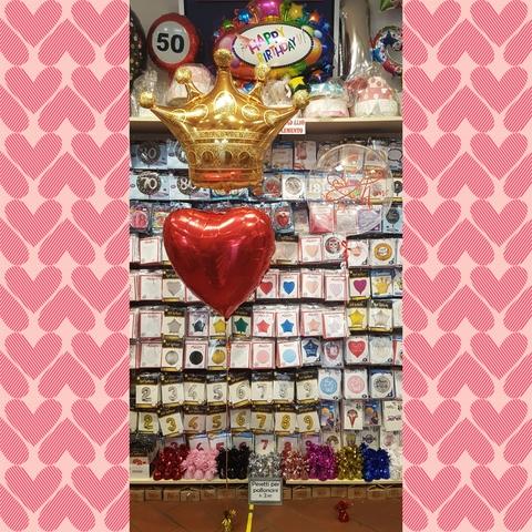 Decorazione di palloncini ti amo con corona e cuore