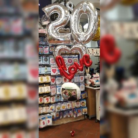 Decorazioni di palloncini per anniversari