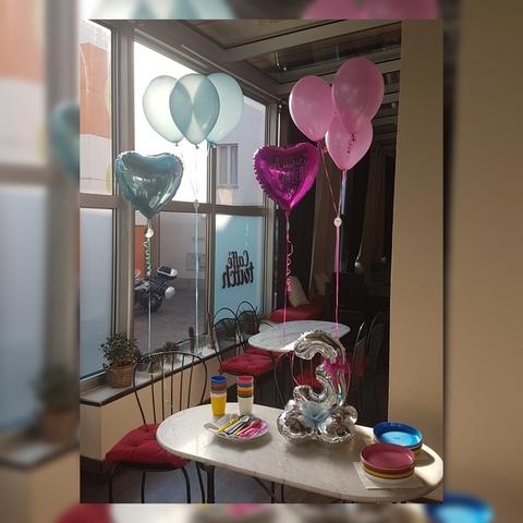Decorazione di palloncini per festa di compleanno