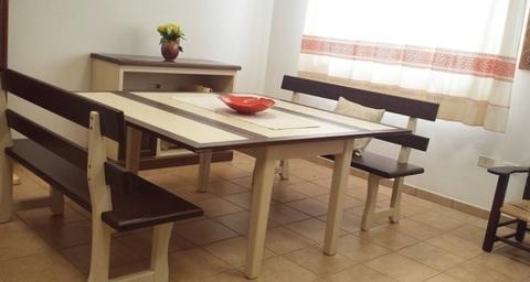 Tavolo in frassino per la cucina