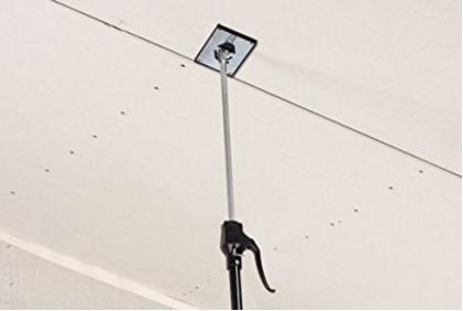 Accessorio per sostenere il soffitto in cartongesso