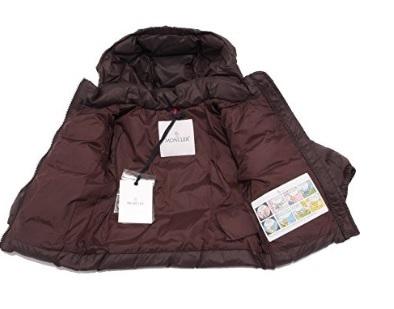 Piumino giacca moncler per bambino dal colore marrone