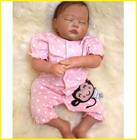 Reborn femmina neonata