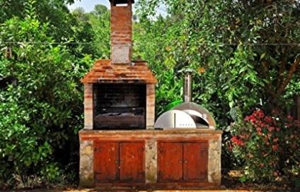 Barbecue in muratura con forno
