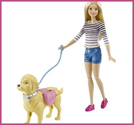 Barbie con cane che cammina