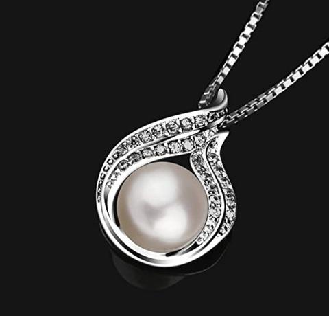 Collana ciondolo con perle per ragazze