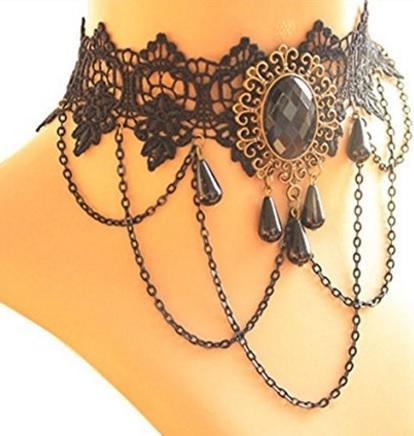 Collana girocollo con perline nere