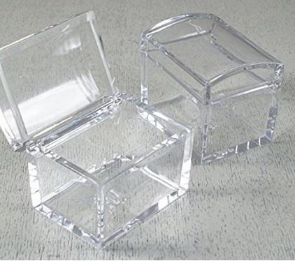 Scatole a forma di baule per bomboniere o portaconfetti