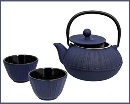 Teiere in ghisa con tazze