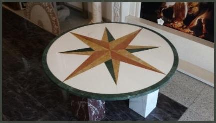 Tavolino tondo in legno naturale e marmo