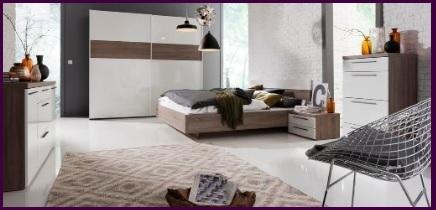 Camera matrimoniale legno e bianco