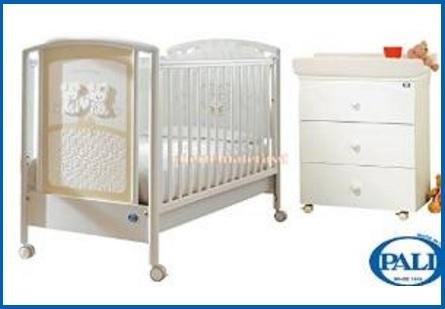 Cameretta classica per neonati