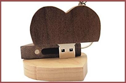 Pendrive cuore in legno personalizzato