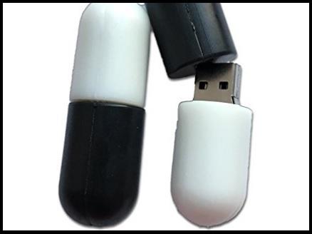 Memory stick pillola bianca e nera
