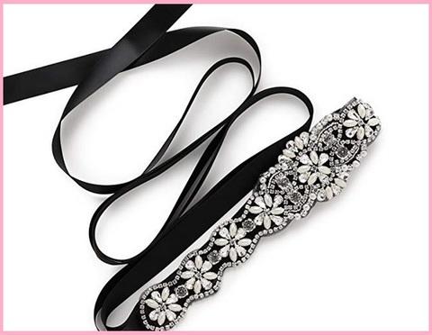 Cintura elegante con strass accessorio