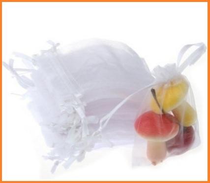 Sacchetto portaconfetti semplice e classico bianco
