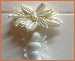 Portaconfetti a forma di fiore
