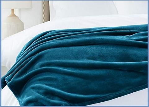 Coperta pile azzurra vellutata