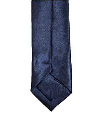 Cravatta Fina E Stretta Con Nodo