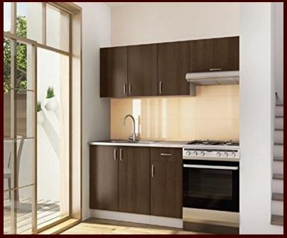 Cucina su misura completa in legno e funzionale