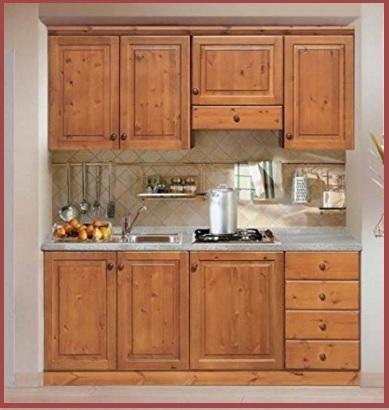 Cucina completa classica con legno grezzo e laminato