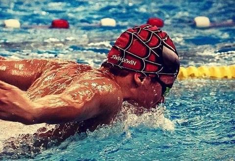 Cuffia piscina di spiderman per bambini