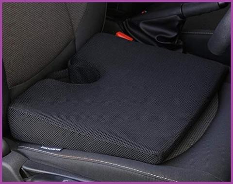 Cuscino per auto a cuneo traspirante