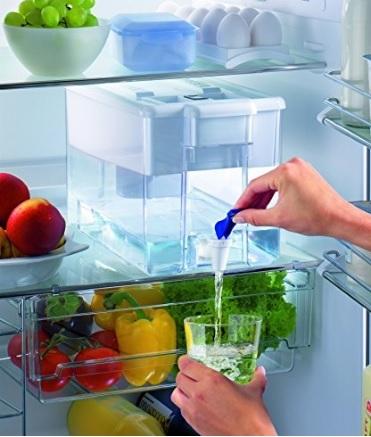 Erogatore per acqua da frigorifero pratico