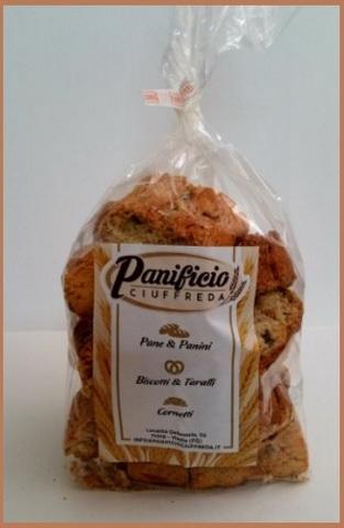 Biscotti con mandorle i famosi cantucci
