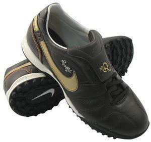 Nike - ronaldinho tiempo guri tf junior