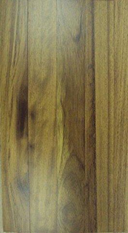 Pavimenti in legno massello con decorazioni