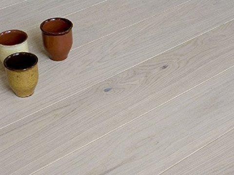 Parquet interni in legno tradizionale lavorato