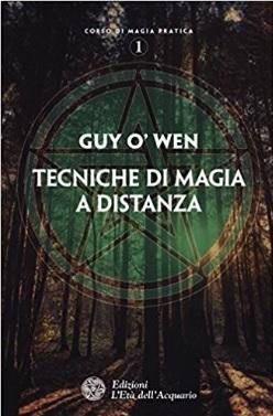 Libro sulle tecniche di magia a distanza