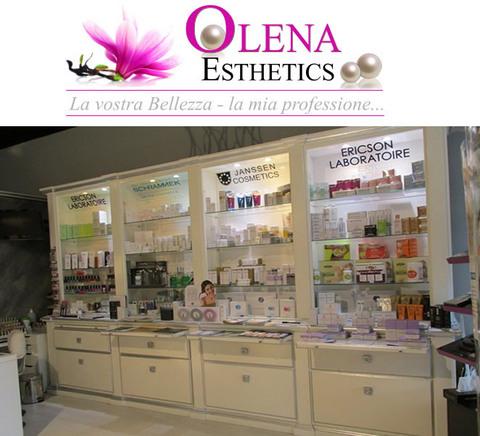 La pulizia del viso i benefici manuali e con ultrasuoni