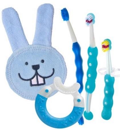 Prendersi cura dell'igiene orale del neonato