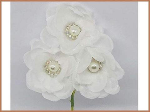 Fiori bomboniera bianchi
