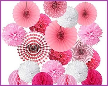 Fiori di carta rosa decorativi