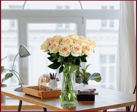 Fiori finti per decorazioni natalizie