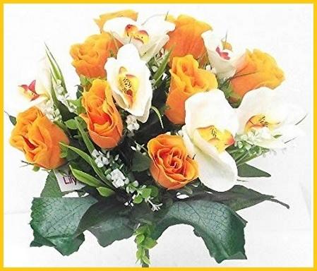 Bouquet di rose orchidee edera