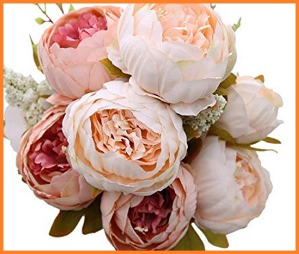Bouquet per sposa con fiorellini